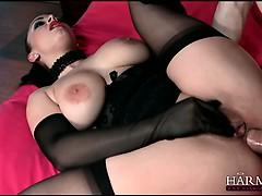 Liza knows how to please a cock with her big ass